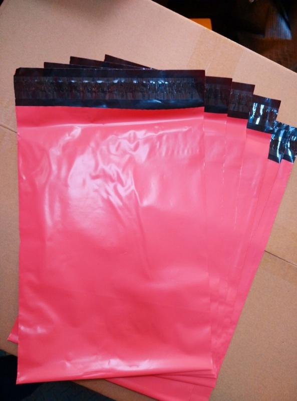 envelope de plástico com lacre seguro