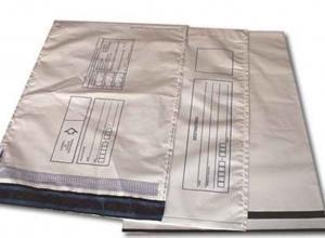 envelope com adesivo para correio em plástico