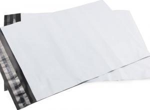 envelope com plástico de segurança