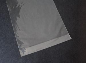envelope de plástico com adesivo