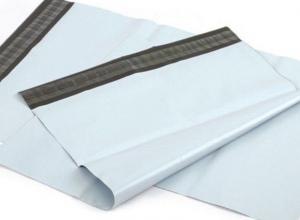envelope de plástico para correio