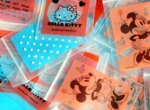 sacos plásticos com fecho adesivo
