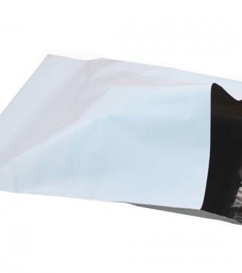 envelope feito de plástico com aba auto colante