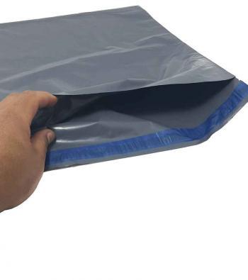 envelope plástico com adesivo para o sedex